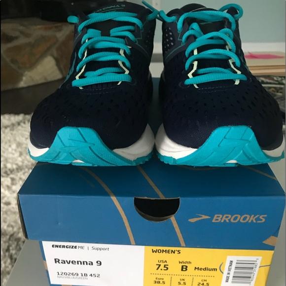 4125a903134 Brooks Shoes - Women s Brooks Ravenna 9-size 7.5.
